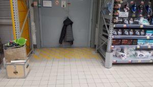 Ремонт пола в магазине 10